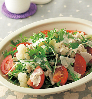 水菜と大根、カリフラワーのサラダ