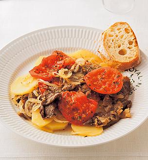 牛肉とじゃがいも、トマトの重ね蒸し