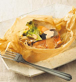 秋鮭の包み蒸し