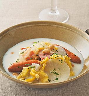 冬野菜とソーセージの簡単シチュー