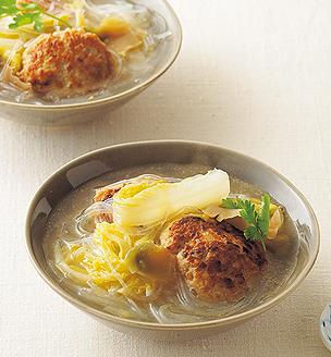 肉団子と白菜、春雨の煮込みスープ