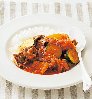 牛肉と夏野菜のトマト煮丼