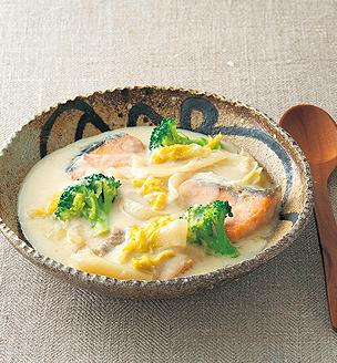 鮭と白菜の酒粕シチュー