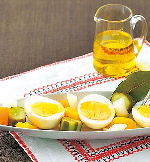 ゆで卵と野菜のピクルス