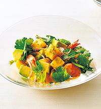 フルーツと香菜のエスニックサラダ