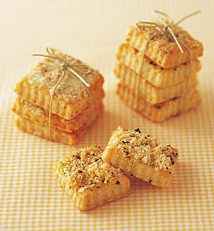 パルメザンチーズと黒こしょうのクッキー