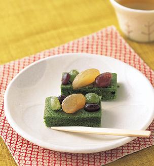 抹茶と甘納豆のケーキ