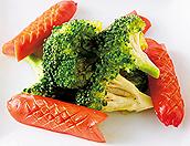 お魚ウインナとブロッコリーの炒め物